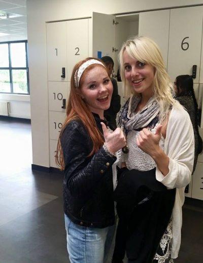 Geslaagde leerlingen voor hun theorie met rijles Haarlem